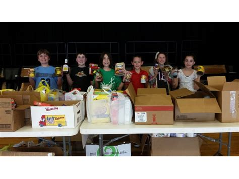 Rock Food Pantry by Students Rock Food Pantry With More Than 1 250 Donated