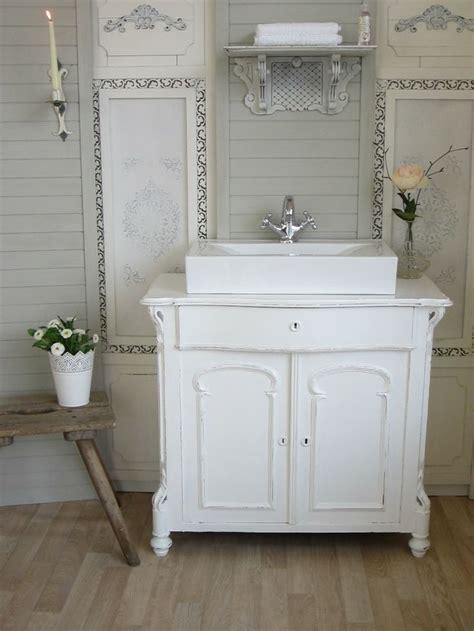 land badezimmer waschbecken die besten 25 waschtisch landhaus ideen auf