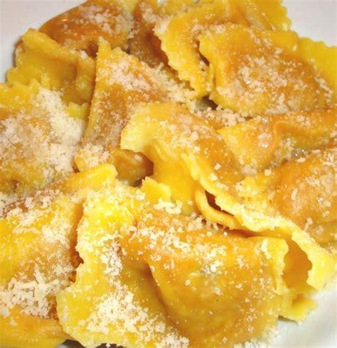 ricetta ravioli di zucca mantovani 1000 images about pasta ripiena su lasagne