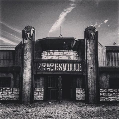 statesville haunted house these 9 haunted houses in illinois will terrify you