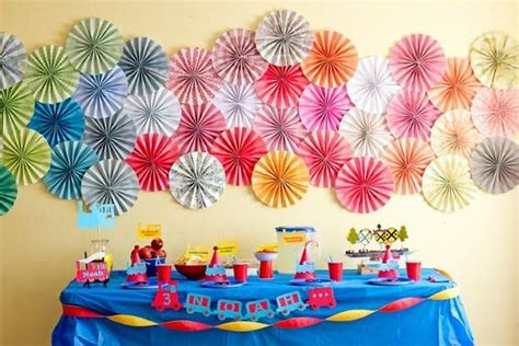 Handmade Birthday Decorations - diy decorations recycled things