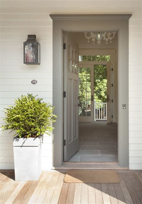 what is paint color used on front door