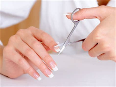 cut s nail are you cutting your nails properly boldsky