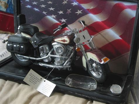 Franklin Mint Harley Davidson 1 10 franklin mint harley davidson heritage 1 10 scale model broken