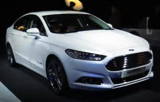 Commons Ford File Ford Mondeo Sedan Front Jpg
