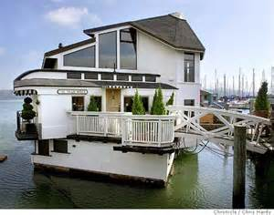 floating on a houseboat dream mosey
