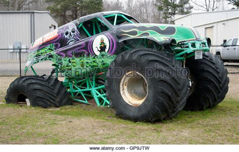 grave digger north carolina monster truck grave digger stock photos grave digger stock images alamy