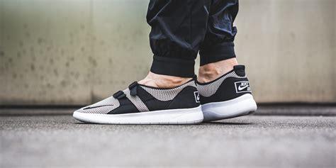 Sepatu Pria Nike Air Sock Racer Se Black White Original cobblestone covers the nike air sock racer se kicksonfire