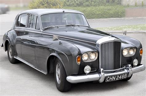 classic bentley vintage bentley drives up bids
