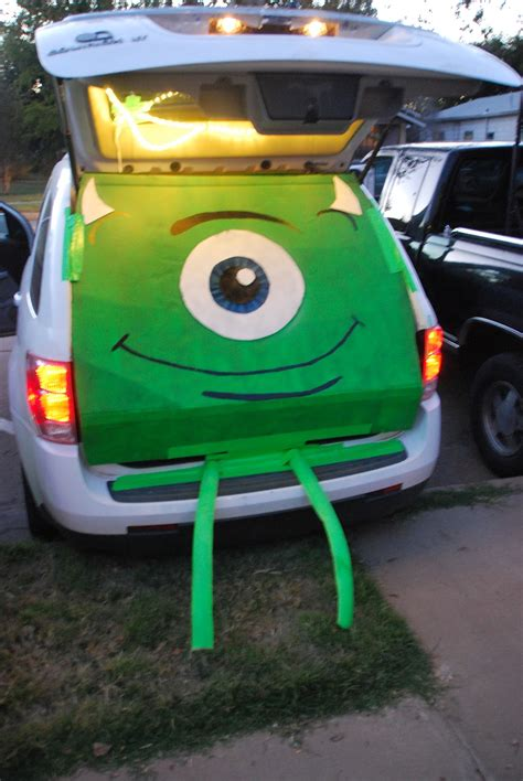 Magnets For Cars Decoration by 18 Trunk Or Treat Car Decorating Ideas Make It And It