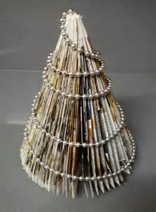 10 225 rboles de navidad hechos con papel de peri 243 dico
