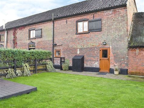 Self Catering Cottages Norfolk Broads by The Stables Self Catering Halvergate Cottages Norfolk Norfolk Broads