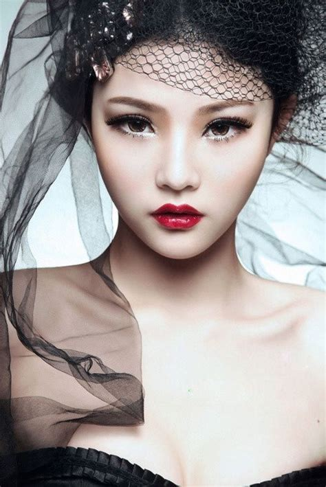 red lips at bianca spender the best beauty looks at 209 best images about dark hair light skin sexy and