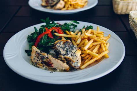 bildet restaurant matrett maltid mat produsere meny