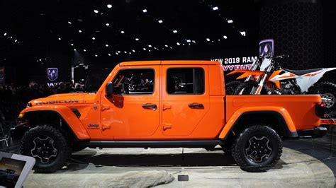 2020 Jeep Gladiator Gas Mileage by 2020 Jeep Gladiator Preview Consumer Reports