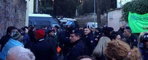 ufficio immigrazione roma via patini roma blitz di polizia e carabinieri al centro di