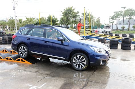 2015 subaru outback test drive 2015 subaru outback overview test drive review cargurus