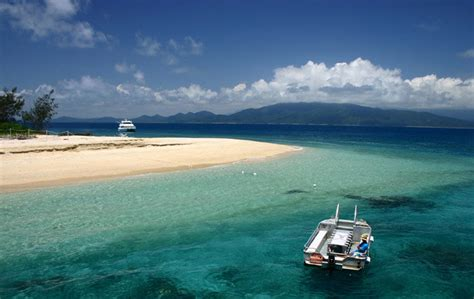 boat shoes cairns cairns attractions cairns island tour frankland