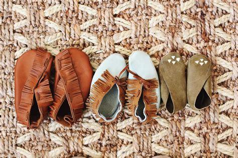 diy leather baby moccasins diy baby moccasins