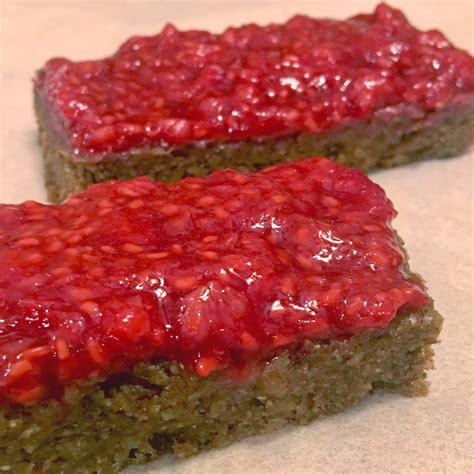 fruit bars almond raspberry fruit bars natvia