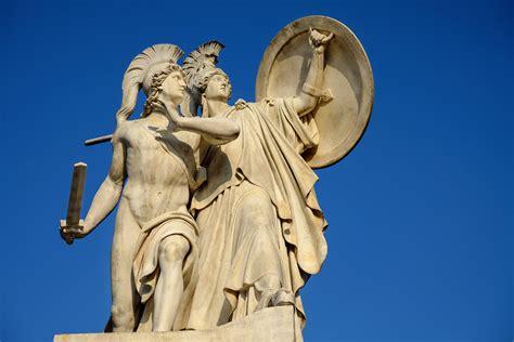 imagenes de esculturas mitologicas fotos gratis monumento estatua obra de arte escultura