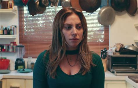 laste ned filmer a star is born 2018 a star is born debuts new footage of lady gaga following