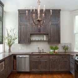 Staining Kitchen Cabinets Darker by Best 25 Staining Oak Cabinets Ideas On Pinterest