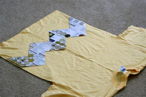 pattern for charlie brown shirt costuming charlie brown multitasking emily winck s blog