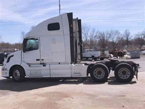 2014 volvo semi volvo 670 2014 sleeper semi trucks