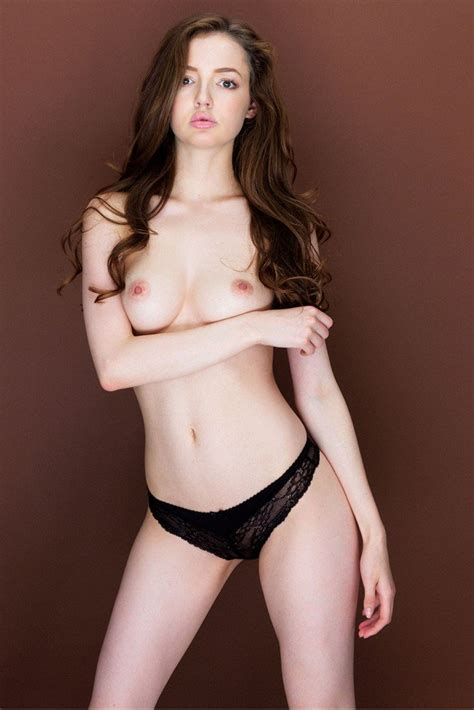 Lara from London Sexy and Topless    New Photos