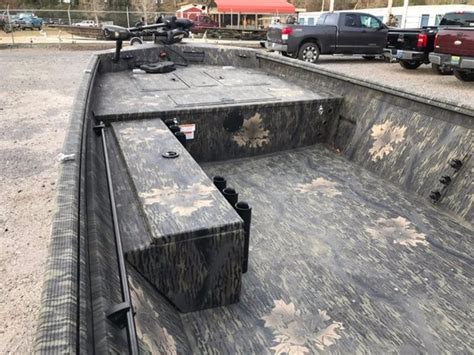 used lowe roughneck jon boats for sale 2015 used lowe boats hunting roughneck 1860 dlx camo jon