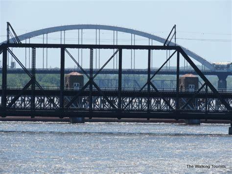 mississippi river boat cruises davenport big wheels keep on turnin quad cities celebration
