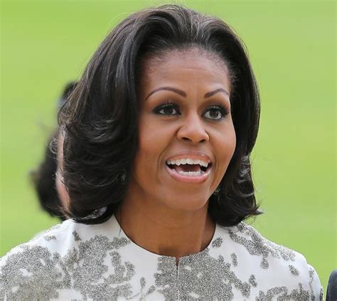 how foes michelle obama get straight hair michelle obama s new do is absolutely bangin ny daily news
