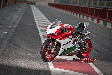 home new bikes ducati bikes 1299 panigale ducati 1299 panigale r final edition unveiled mcn