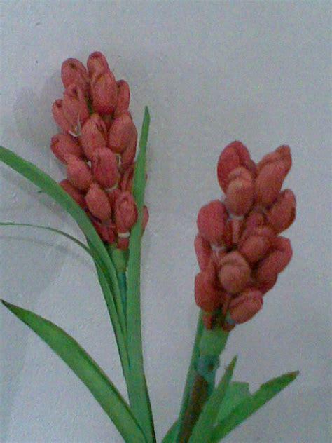 membuat kerajinan bunga dari kulit jagung membuat benda kerajinan dari bahan limbah pertanian