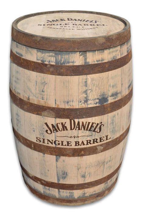 nachttisch fass die besten 25 whisky fass ideen auf fassm 246 bel