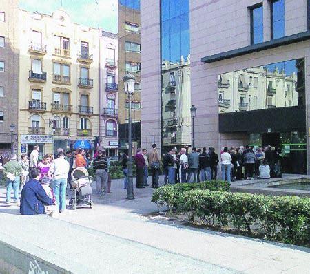 oficinas de la seguridad social en valencia las oficinas de la seguridad social traen cola en valencia
