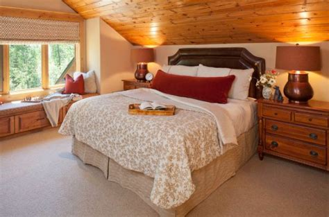 bedroom with slanted ceiling decorating ideas how to decorate slanted ceilings