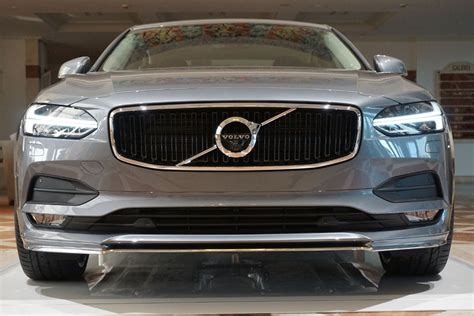 volvo s 2017 volvo s90 takes on the germans and wins digital trends