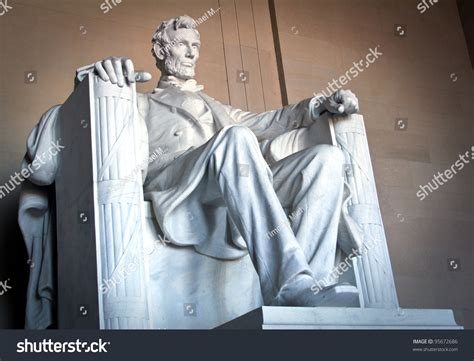 monument of abraham lincoln in washington dc abraham lincoln monument washington dc stock photo