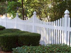 dog ear picket fence  scalloped gate farm fence
