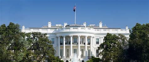 white house live how many people live in the white house house plan 2017