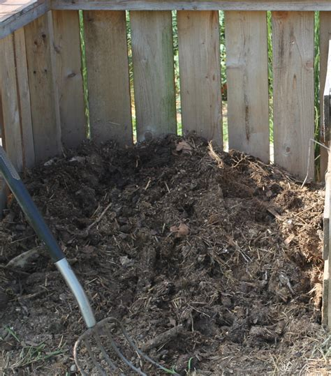 how to make a compost pile in your backyard compost pile