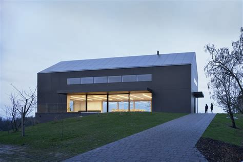 Black Barn šentrupert Slovenia E Architect Barn Style House Designs Australia