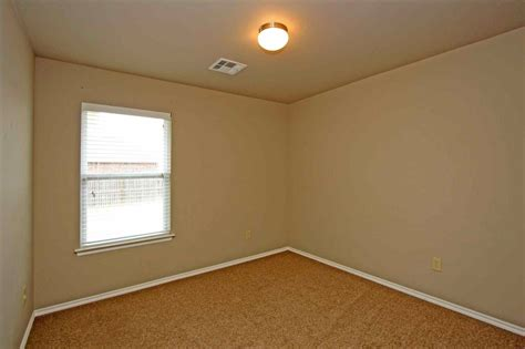 empty bedroom with carpet datenlabor info