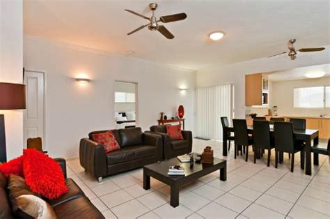 cairns appartments lounge picture of cairns city apartments cairns tripadvisor