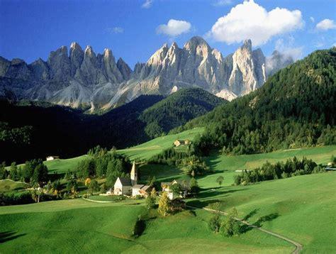 Gambar Pegunungan inilah 9 gambar pemandangan pegunungan dan pedesaan yang