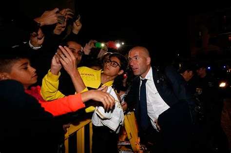 Welcome Table A Warm Welcome For Real Madrid In Las Palmas Photos