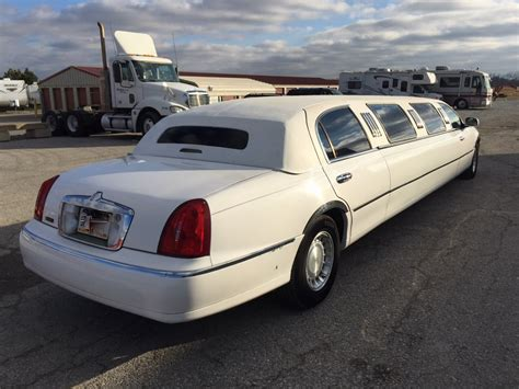 executive limousine used 2001 lincoln town car executive limousine for sale