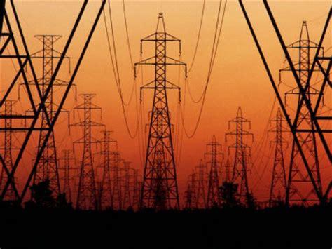 tralicci media tensione il gran caldo spinge i consumi elettrici di agosto 9 5